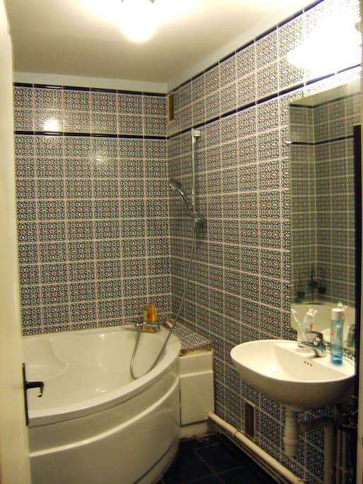 la salle de bains...comme au hammam!
