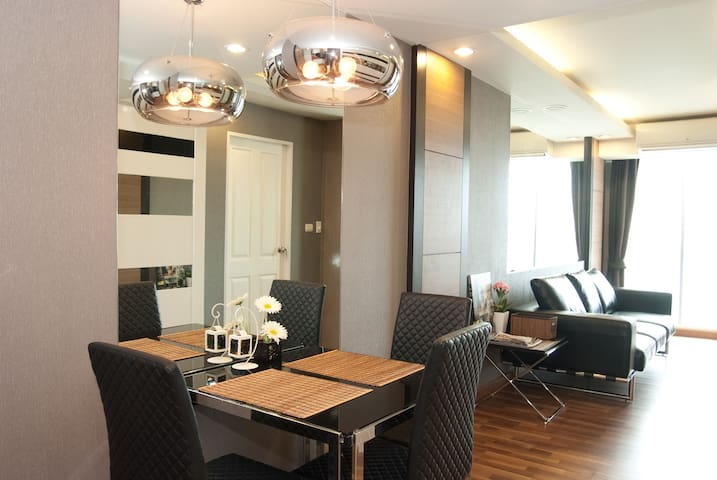 60sqm 2bedrooms TopFloor w.Pool-BTS - Bangkok - Appartement