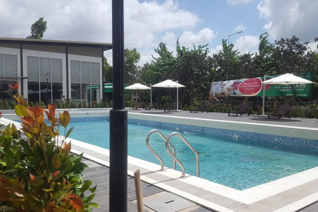 Homestay with amazing garden lovely pool appartamenti for Garden pool hanoi
