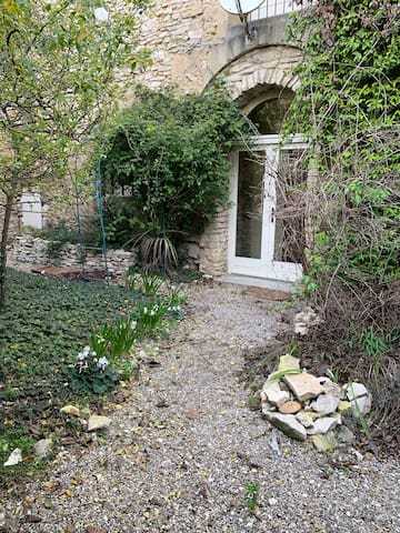 Bel appartement à Lirac 20 minutes d'Avignon