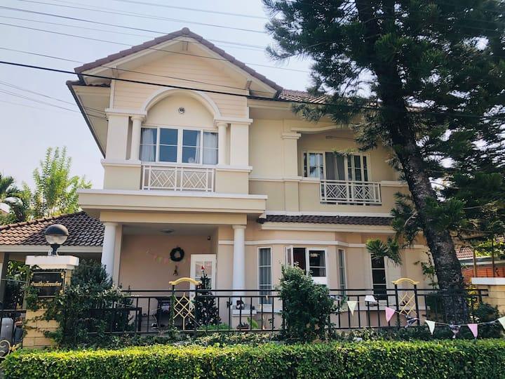 清迈杭东独栋别墅4卧室开放式厨房独立院子