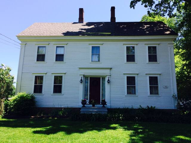 Historic Vermont town. - Weathersfield - House