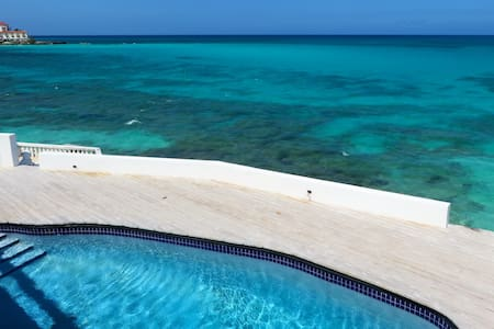 8 BEDROOM BY THE BEACH WELL LOCATED - Nassau