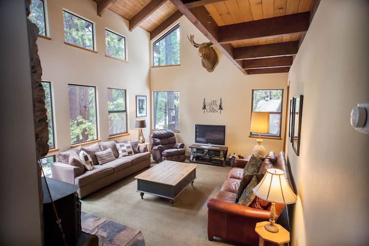 POLLY PINES family fun in the heart of the Sierra