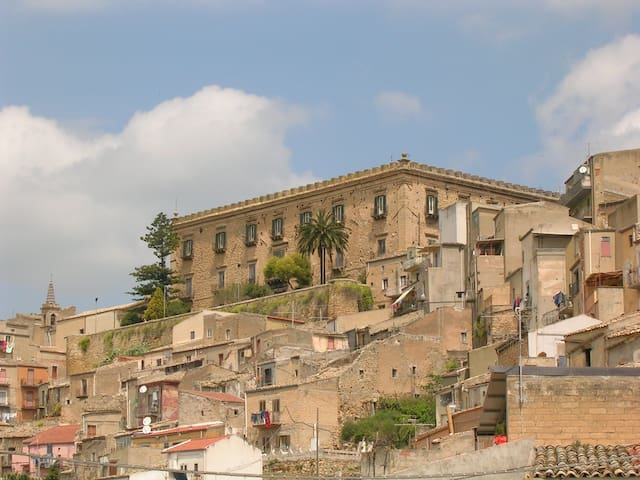 Branciforti Palace - Leonforte - Castle