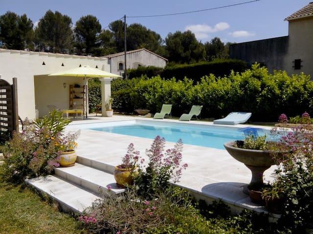 calme et confort - Fontvieille - Casa