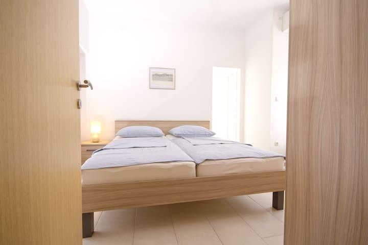 3*** Apartments Ika-Marija Vodice 2 - Vodice - Casa