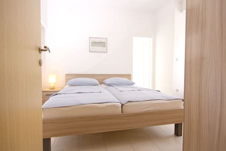 3*** Apartments Ika-Marija Vodice 2 - Vodice - House
