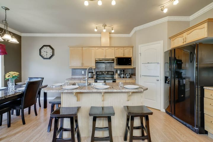 Clean, family home also great for groups or teams!