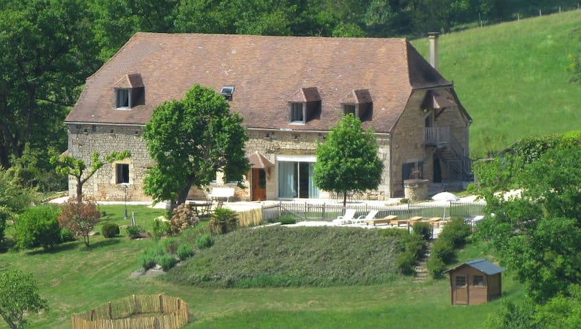 "Familiale, la ""Chambre Grandjean"" - Hautefort - Bed & Breakfast"