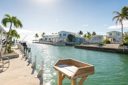 Bring Your Boat! 2 BR/2BA Waterfront Paradise!