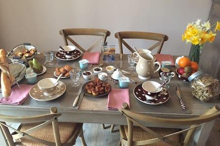 CHAMBRE PLUME D'ANGE- SPA-HAMMAM - Pornic - ที่พักพร้อมอาหารเช้า