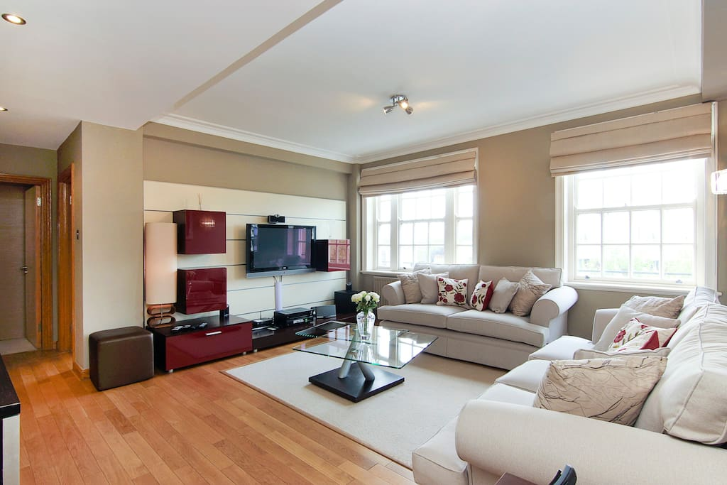 Superb Location Knightsbridge 3 Bed 3 Bath Apartments