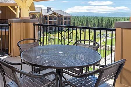 Yellowstone in your Backyard! Beautiful 1BR Condo