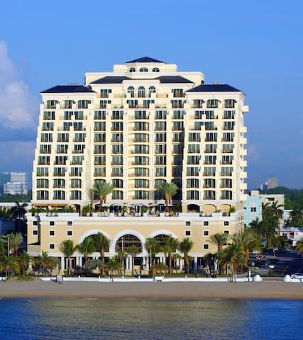 The Atlantic Hotel and Spa - 1 Bedroom Oceanfront Suite 2 Queens