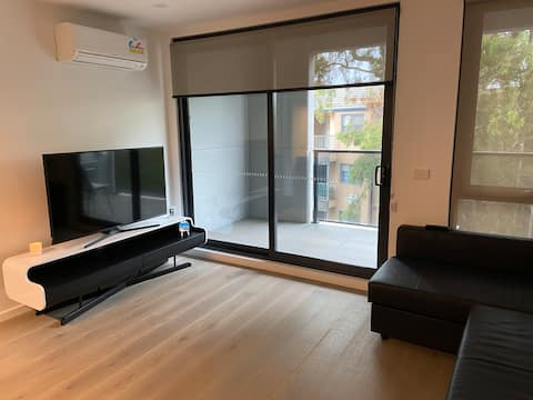 Quiet 2X2 apartment in the heart of Abbotsford