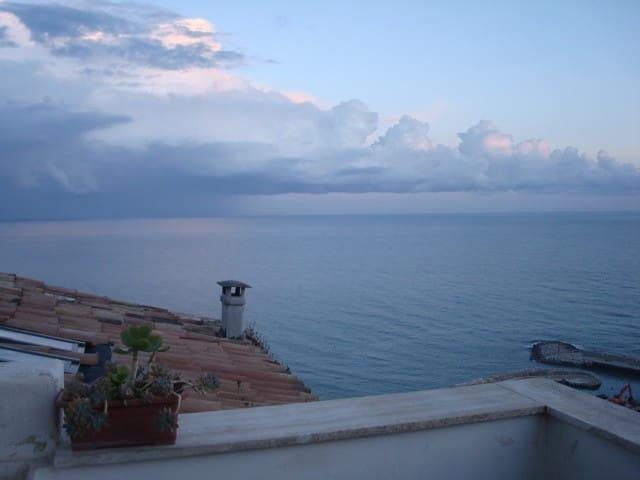 Attic with terrace stunning views - Sperlonga - Daire