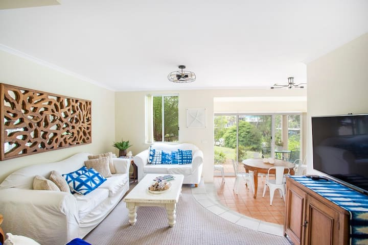 Tiga Ratus - Mollymook Beach - Apartment