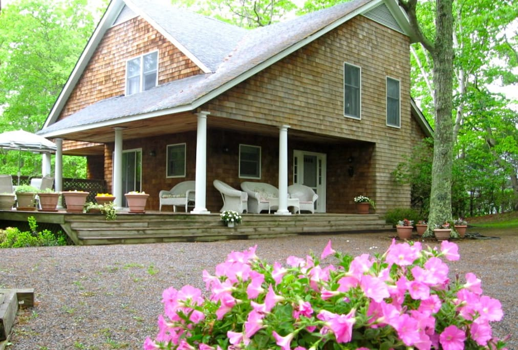 wrap-around porch, exterior of house