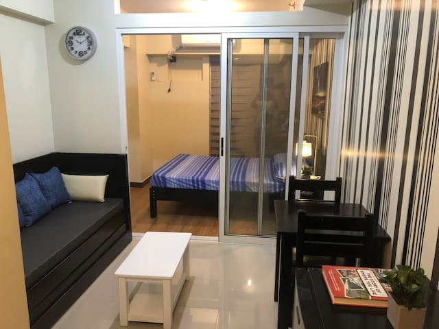 1BR 1 Queen & Daybed w/ pullout+Netflix+Wifi 4Pax