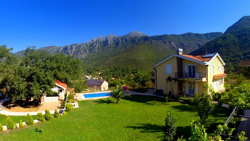 Villa, pool and relax, 4 persons, ground floor