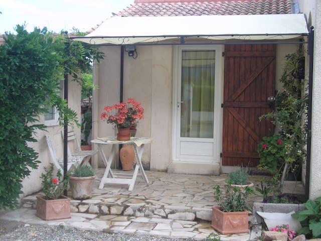 studio avec cuisine équipée - Гизоначча - Гестхаус