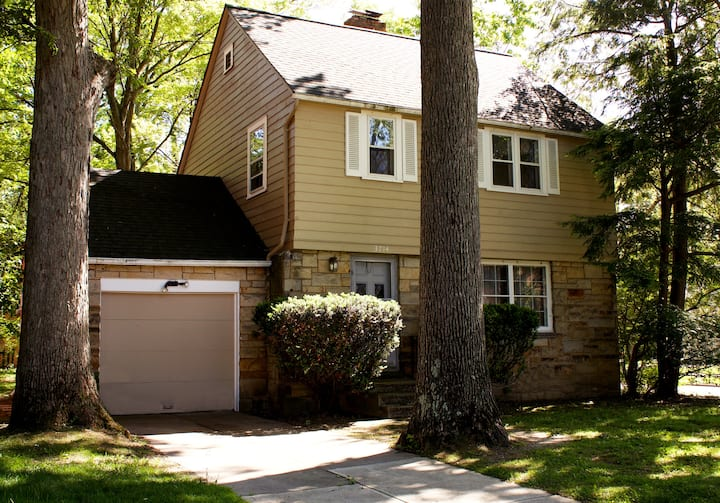 Rent Now! Close to Cleve Clinic & Walk to Grocery