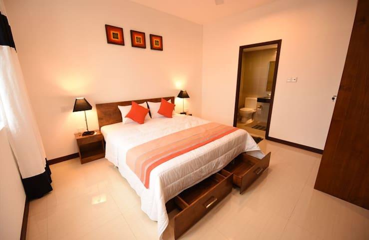 Araliya Apartment Luxury 2BR@On320 - Colombo - Huoneisto