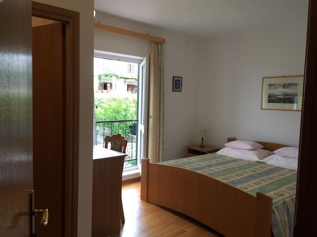 Villa Bunta B&B Room01 Free Parking - Sutivan - Bed & Breakfast