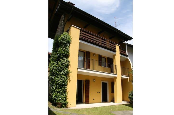 Quiet and cozy house above Stresa - Stresa - Talo
