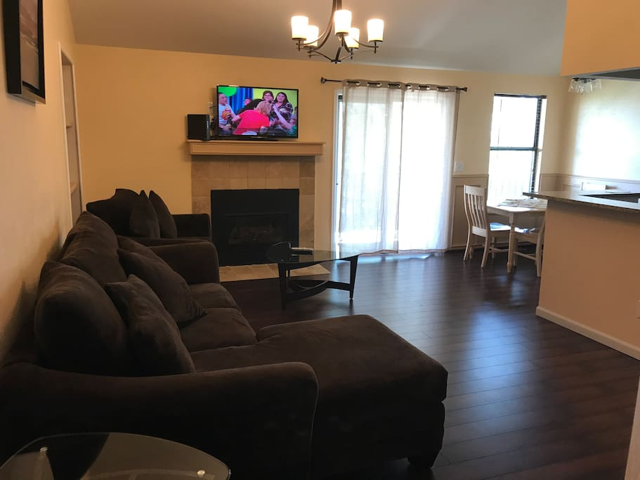 Living room/seating area