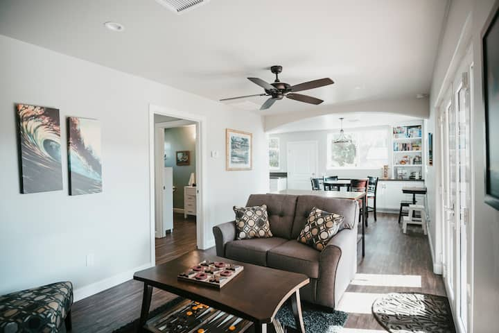 Oceanside Coastal Home - Romantic, Relaxing, & Fun
