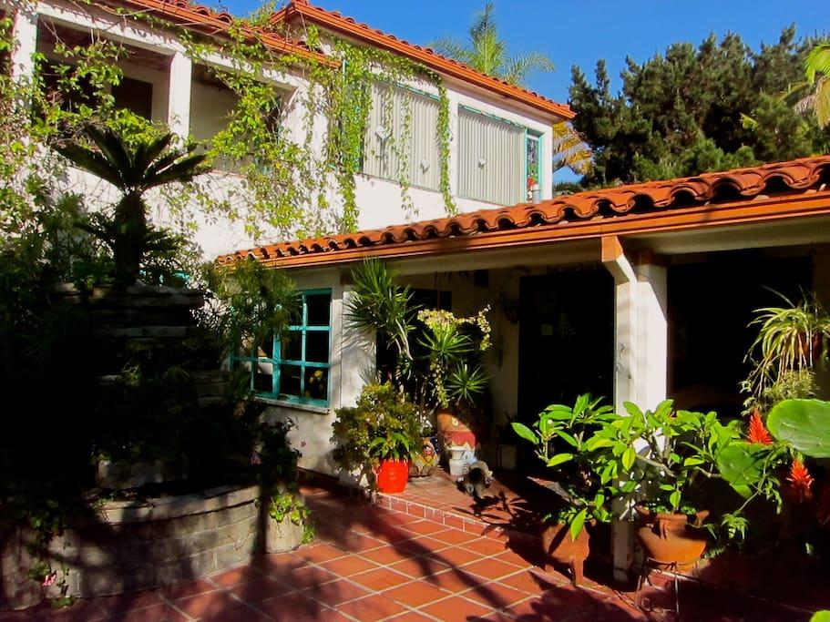 Lush Courtyard Entryway