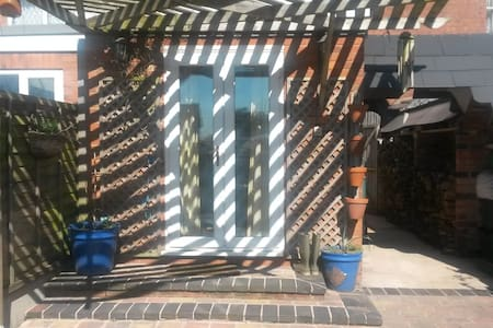 Newly decorated Single Room - Stourport-on-Severn