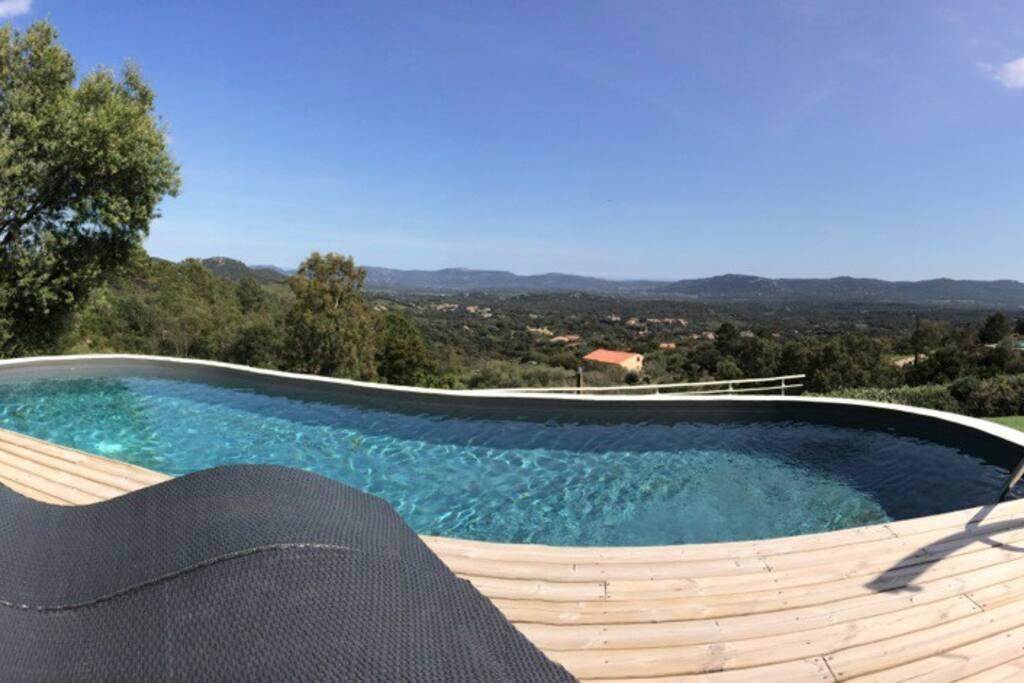 Piscine chauffée avec terrasse vue panoramique !