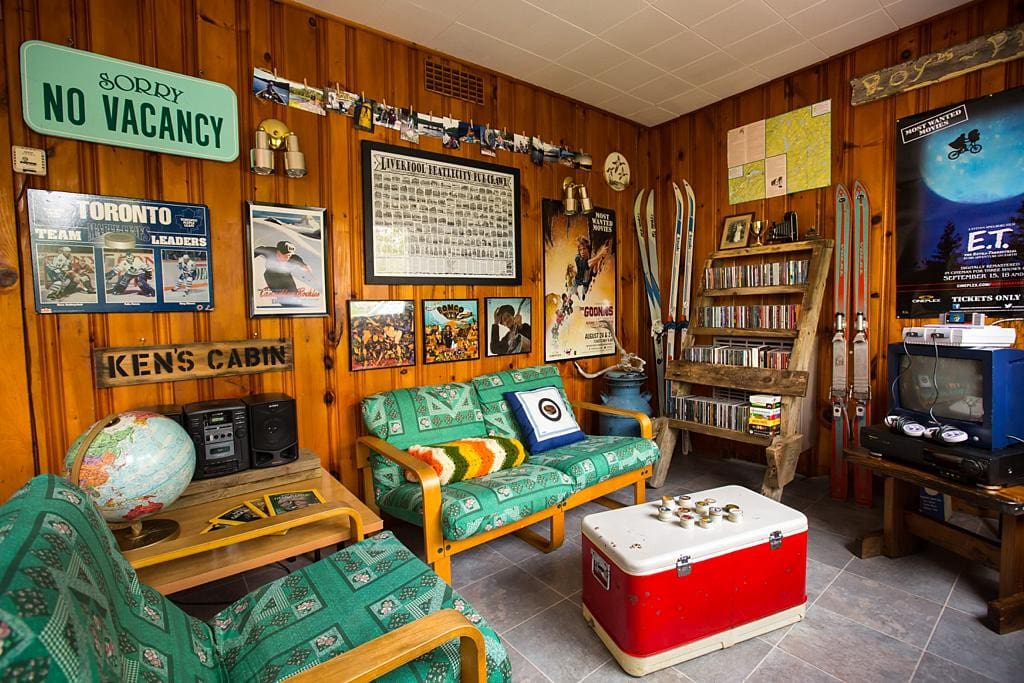 The legendary living room in Ken's Cabin.