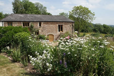 Luggs Barn -A Holiday with History! - Devon
