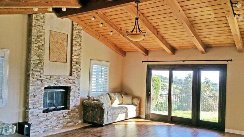 Beautiful, Private, Updated Retreat - Fallbrook - Huis