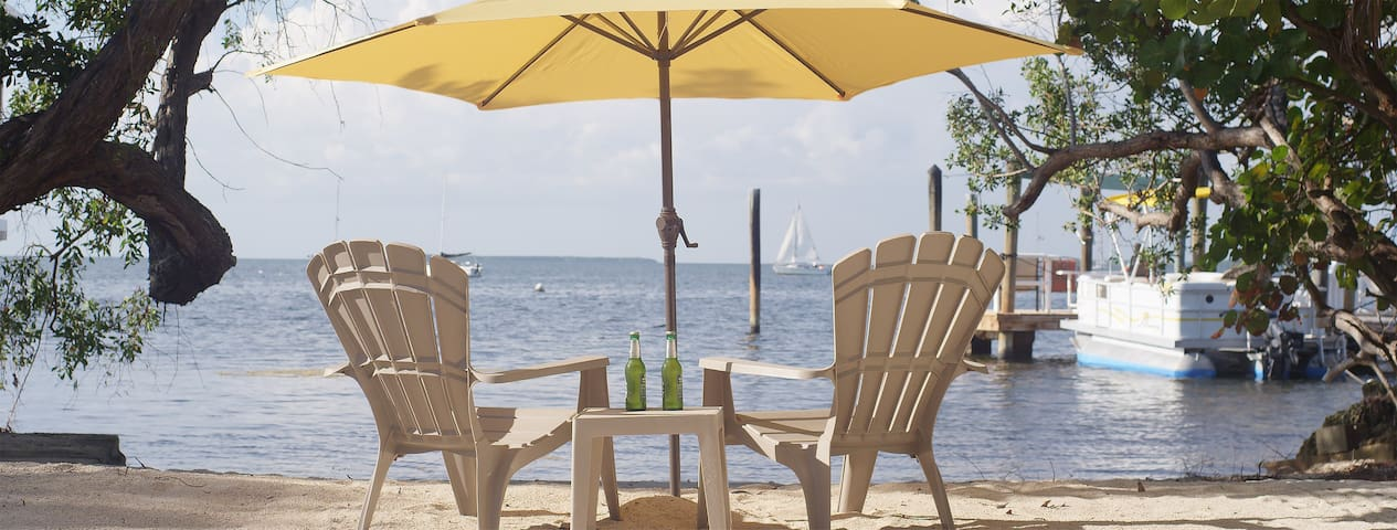 Key Largo-your own private beach! Free use canoe.