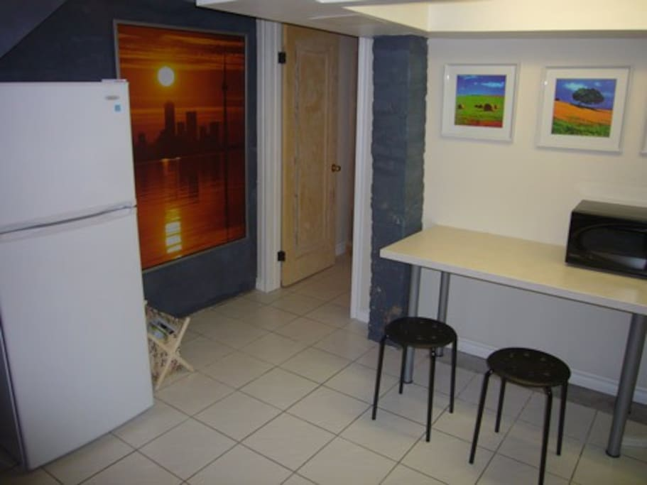 Eating area to enjoy your daily breakfast. Brand new fridge for your produce from the market.