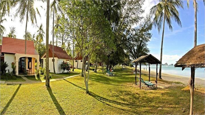 The Frangipani Langkawi / Beach Villa