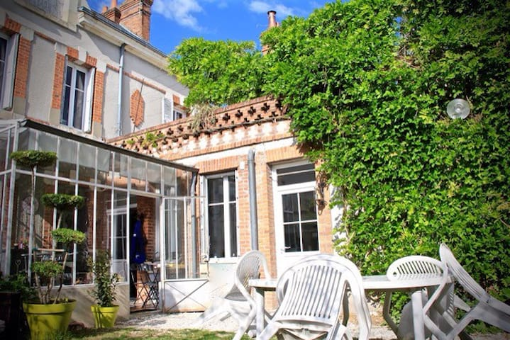 chambre avec terrasse, centre ville - Romorantin-Lanthenay