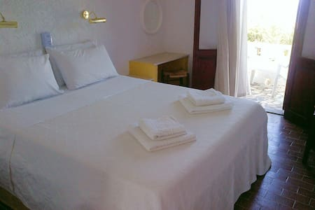 Quiet rooms with amazing seaview - Κάρπαθος - Bed & Breakfast