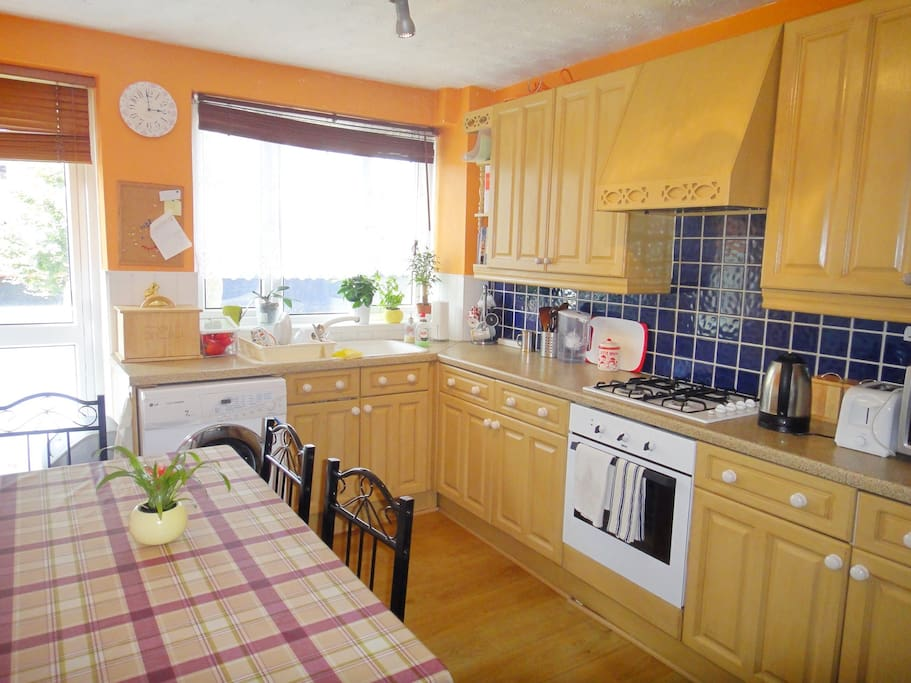Fully equipped kitchen can sit 6
