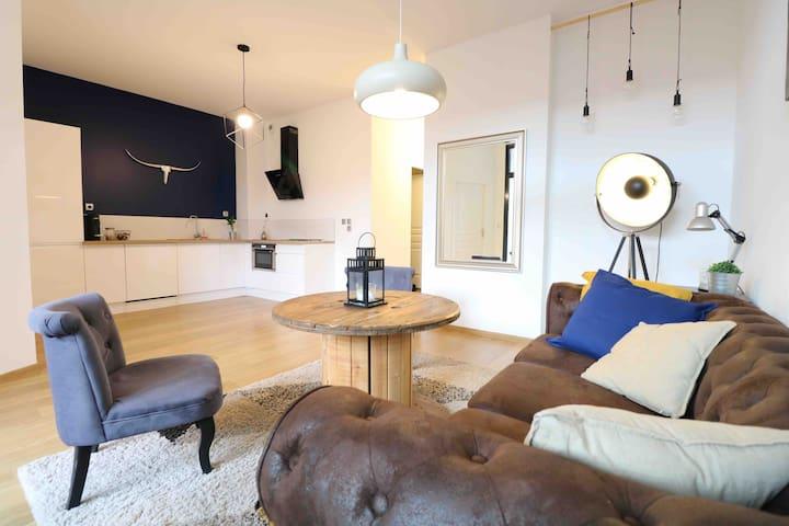 Appartement avec SPA et terrasse -centre de Troyes