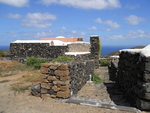 Historic Dammuso in Pantelleria