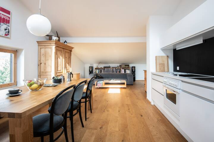 Sunny Apartment close to Innsbruck