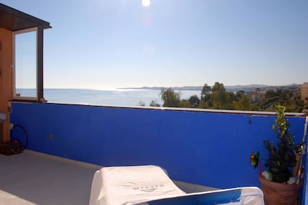 Charming Atic with views to the sea - Benalmádena - Loft