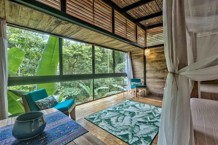 Belle chambre avec balcon au cœur de la jungle ❤