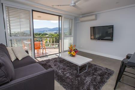 Royal Harbour - Cairns City